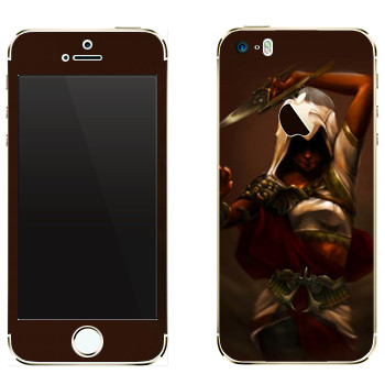 Виниловая наклейка «Assassins creed девушка» на телефон Apple iPhone 5