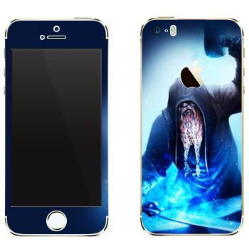 Виниловая наклейка «Dark Souls Кузнец» на телефон Apple iPhone 5