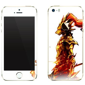 Виниловая наклейка «Dark Souls Огонь» на телефон Apple iPhone 5