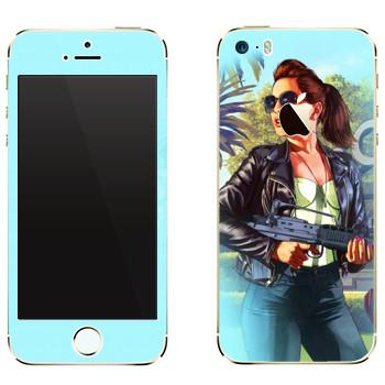 Виниловая наклейка «Деваха со штурмовой винтовкой - GTA 5» на телефон Apple iPhone 5