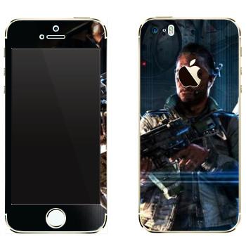 Виниловая наклейка «Titanfall темнокожий боец» на телефон Apple iPhone 5